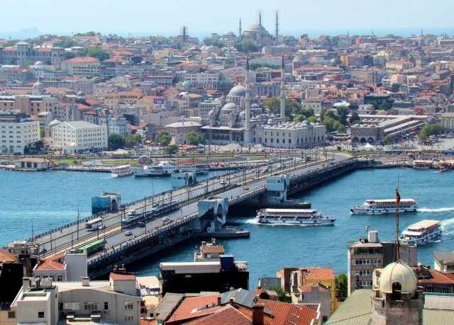 phoca_thumb_l_galata_bridge_from_tower